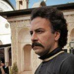 حسام منظور بازیگر سریال بانوی عمارت در ماشین لاکچری اش