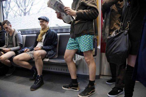 روز جهانی بدون شلوار در مترو
