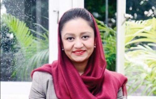 آغاز به کار رویا رحمانی اولین سفیر زن افغانستان در واشنگتن!