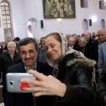عکس های یادگاری محمود احمدی نژاد در مراسم سال نوی میلادی!