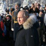 تصاویری از حضور پوتین در قبرستان لنینگراد