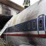 انتقال بقایاى هواپیمای بوئینگ ۷۰۷ که سقوط کرد!