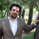 سوژه شدن اقدام عجیب حسینی بای گزارشگر تلویزیون در منطقه سیلزده!