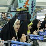تصاویری از خرید شب عید کودکان کار و خیابان!