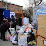 تصاویری از جمعآوری کمکهای مردمی برای سیل زدگان گلستان