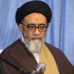 عکس امام جمعه تبریز بدون محافظ در فرودگاه