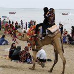 تصاویری از خوشگذرانی مسافران نوروزی بندرعباس در سواحل