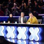 انتقاد از تمسخر یک سرود باشکوه در برنامه عصر جدید تلویزیون!