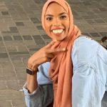 واکنش عجیب شیما دختر محجبه جوان به تجمع ضد مسلمانان!! + تصاویر