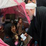 دیدار حسن روحانی و سیل زدگان اهواز در محل اسکان اضطراری+تصاویر