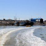 تصاویری از شناور شدن یک کشتی در دریاچه ارومیه بعد از ۷ سال!!