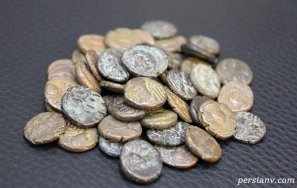 سکه های قاچاق کشف شده در فرودگاه کیش!
