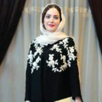 شمع روشن کردن بهنوش طباطبایی بازیگر زن ایرانی جلوی سقاخانه!