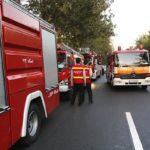 همکاری مردم جهت باز کردن راه برای آتش نشانی