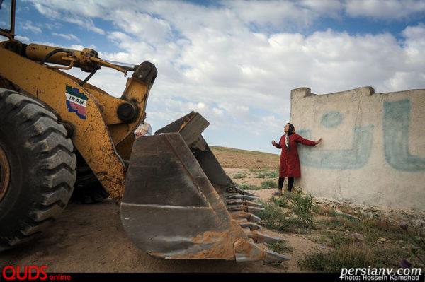 در حاشیه تخریب ویلاهای غیر مجاز مشهد و مقاومت یک خانم!! + تصاویر