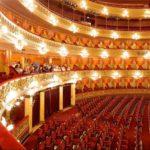عجیب ترین مرگ تماشاچی زن اپرا بر اثر خنده زیاد
