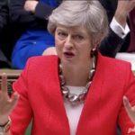 بدرقه خانم ترزا می نخست وزیر انگلیس با گل کاری دفترش