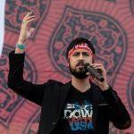 حامد زمانی خواننده انقلابی و روایت با بغض او از بازداشتش در فرودگاه!!