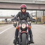ممنوعیت موتورسواری زنان   زنها گواهینامه موتور بگیرند که چی بشه؟!