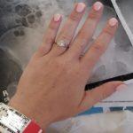 حلقه نامزدی و دردسر عجیب آن برای یک زن جوان!!
