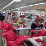 زنان کارگر در کارخانههای مشهورترین برندهای لباس و پشتپرده شرمآور فعالیت آنها!!