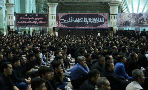 شب تاسوعا در حرم امام خمینی با همنشینی عارف و پسر سیدحسن خمینی !