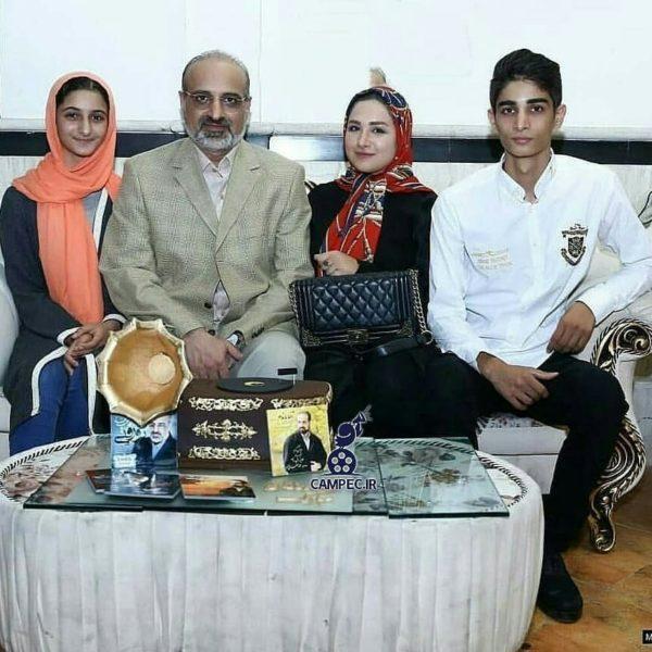 محمد اصفهانی و خانواده اش
