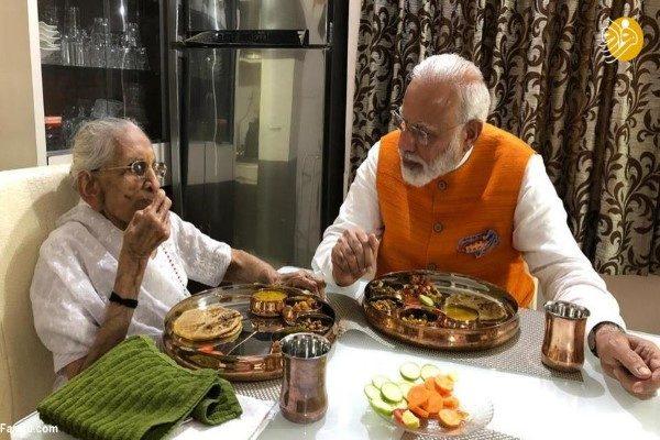 نخست وزیر هند و مادرش