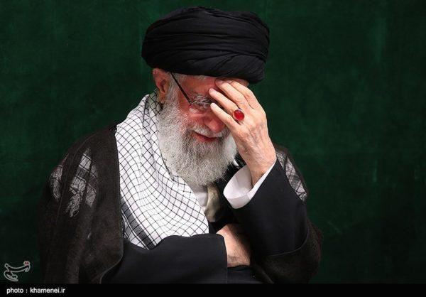 روضه خوانی رهبر انقلاب در مصیبت حضرت امالبنین(س) برای اولین بار!