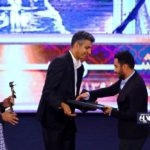 استوری نوید محمدزاده در واکنش به دریافت جایزه از دستان فردوسی پور!