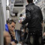 دستفروش مترو تهران با رتبه اول کارشناسی ارشد اقتصاد!!