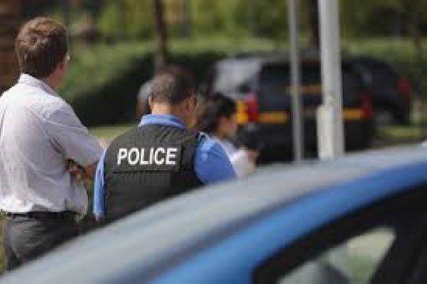 پلیس آمریکا و عکس العمل سریعش در لحظه پریدن یک جوان از پل!!