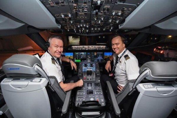 طولانی ترین پرواز جهان بدون توقف نزدیک ۲۰ ساعت!!