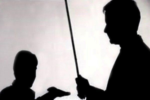 اعتراض متفاوت یک دانش آموز تهرانی به تنبیه بدنی معلم!!