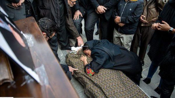 مراسم تشییع پیکر بیژن علی محمدی دوبلور ایرانی با حضور چهره ها!