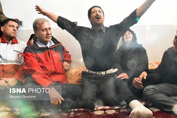 تصاویر تلخ از حواشی بازدید سخنگوی دولت از مناطق زلزله زده میانه!!