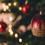 صحنه وحشتناک در درخت کریسمس که یک زن را تا مرز سکته برد!!