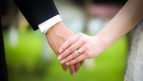 زشت ترین حلقه ازدواج که اشک عروس را درآورد!!