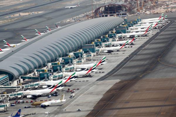 سیل در دبی | فرودگاه دبی را آب برد