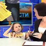 حضور ناگهانی بچه مجری اخبار تلویزیون در پخش زنده