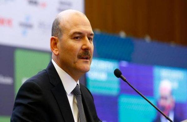 خون دماغ وزیر کشور ترکیه در کنفرانس خبری زنده