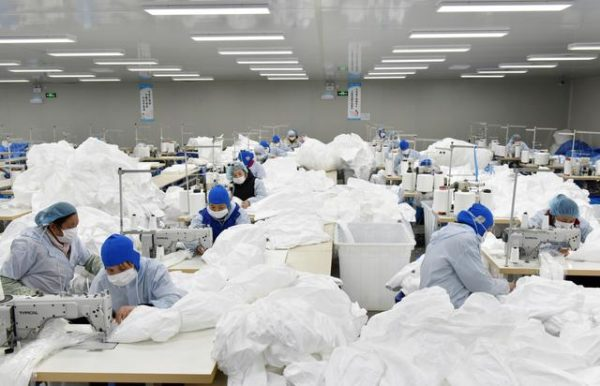 وضعیت کارگران در سلف یک کارخانه بعد از شیوع کرونا