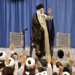 سوء استفاده ضد انقلاب از فاصله آیت الله خامنه ای با طلاب در رابطه با کرونا
