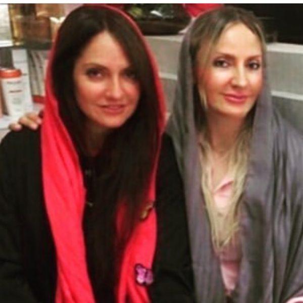 مهناز افشار و خواهرش