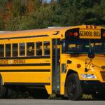 لحظه وحشتناک چپ کردن و تصادف اتوبوس مدرسه در اوهایو
