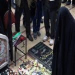 همسر حاج قاسم در صف طولانی برای زیارت مزار سردار سلیمانی