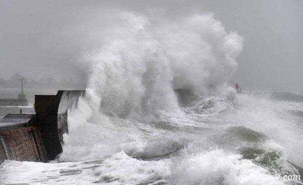 طوفان سیارا