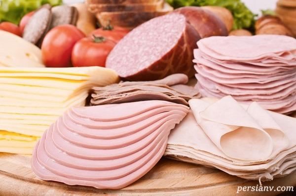 زیپ شلوار در کالباس ۹۰درصد گوشت ایرانی پیدا شد