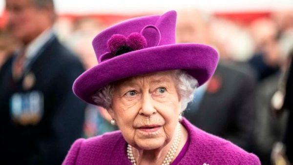 ملکه انگلیس کرونا گرفت