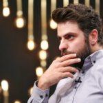 واکنش علی ضیا به صحبت های امیر حسین رستمی در برنامه زنده